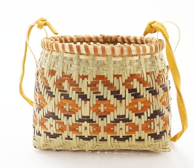 Ramona Lossie basket with strap