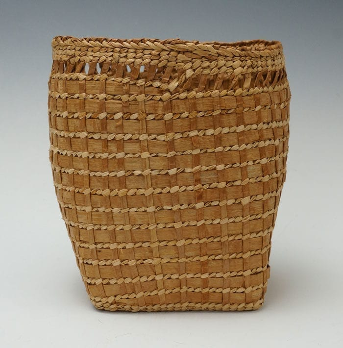 Loa Ryan cedar bark wooden basket
