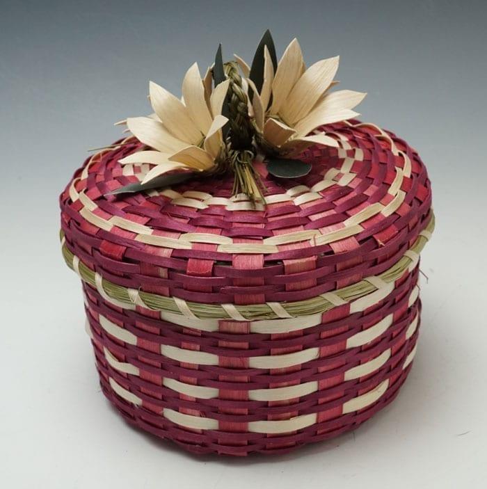 Dolly-Barnes-Red-Flowered-Basket-ME00498-2
