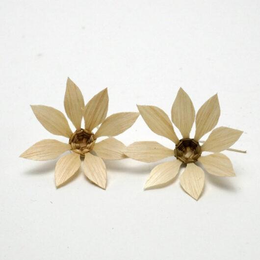 Geo Neptune Natural ash flower basket earrings
