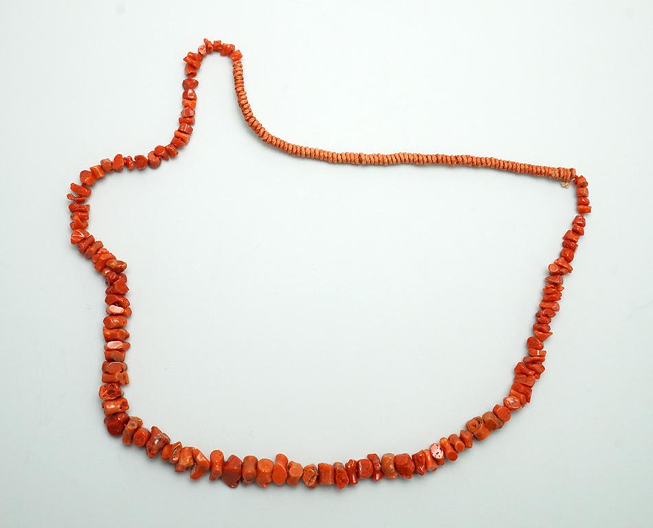 Single strand coral necklace with Pueblo wrap SWJ01922-1