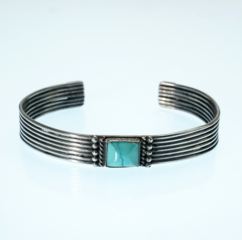 Vintage Sterling Silver Navajo Jewelry Bracelet with Turquoise